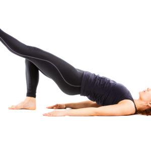 Shoulder Bridge avec une jambe levée, Pilates